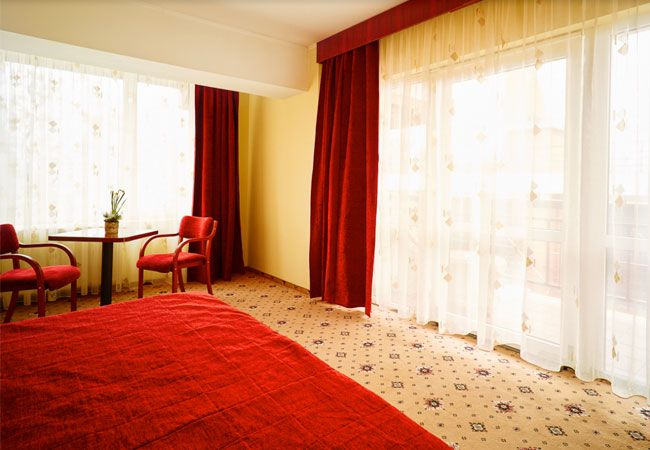 cum-arata-camerele-business-de-la-hotel-caro-4